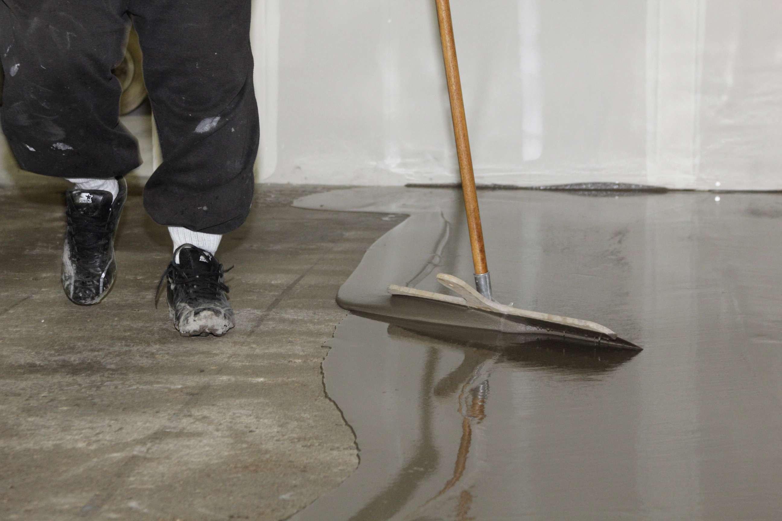 Selfleveling ttm finishes inc ttm finishes inc for Concrete floor leveling